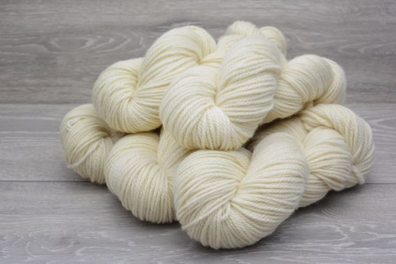 Aran/Worsted 100% Superwash Bluefaced Leicester Wool Yarn 5 x 100gm Pack